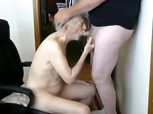 26margate skinny old Grandpa is a skilled cocksucker dad